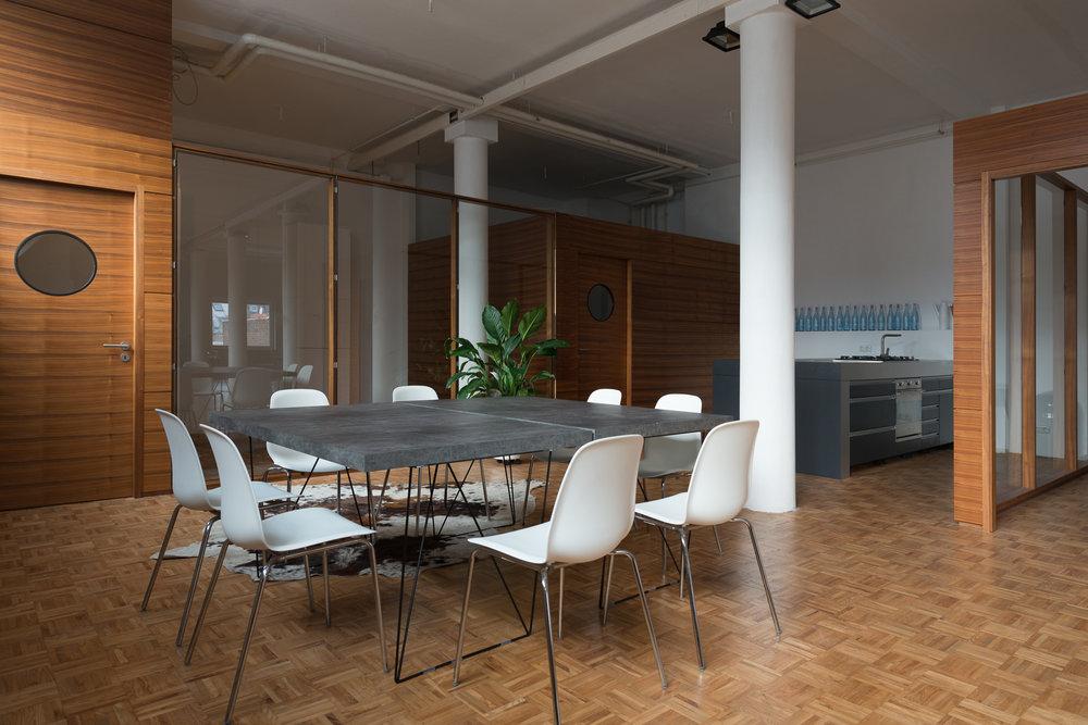loftstudiocologne-penthouse-loft-14.jpg
