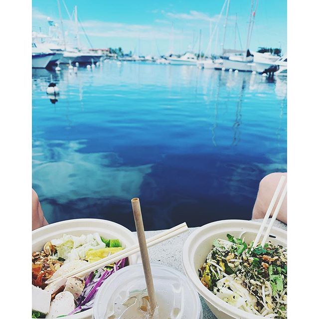 Have your cake & eat it too || Try the best eats in Kona from @laulimafoodpatch (handsome lunch date & view not included)