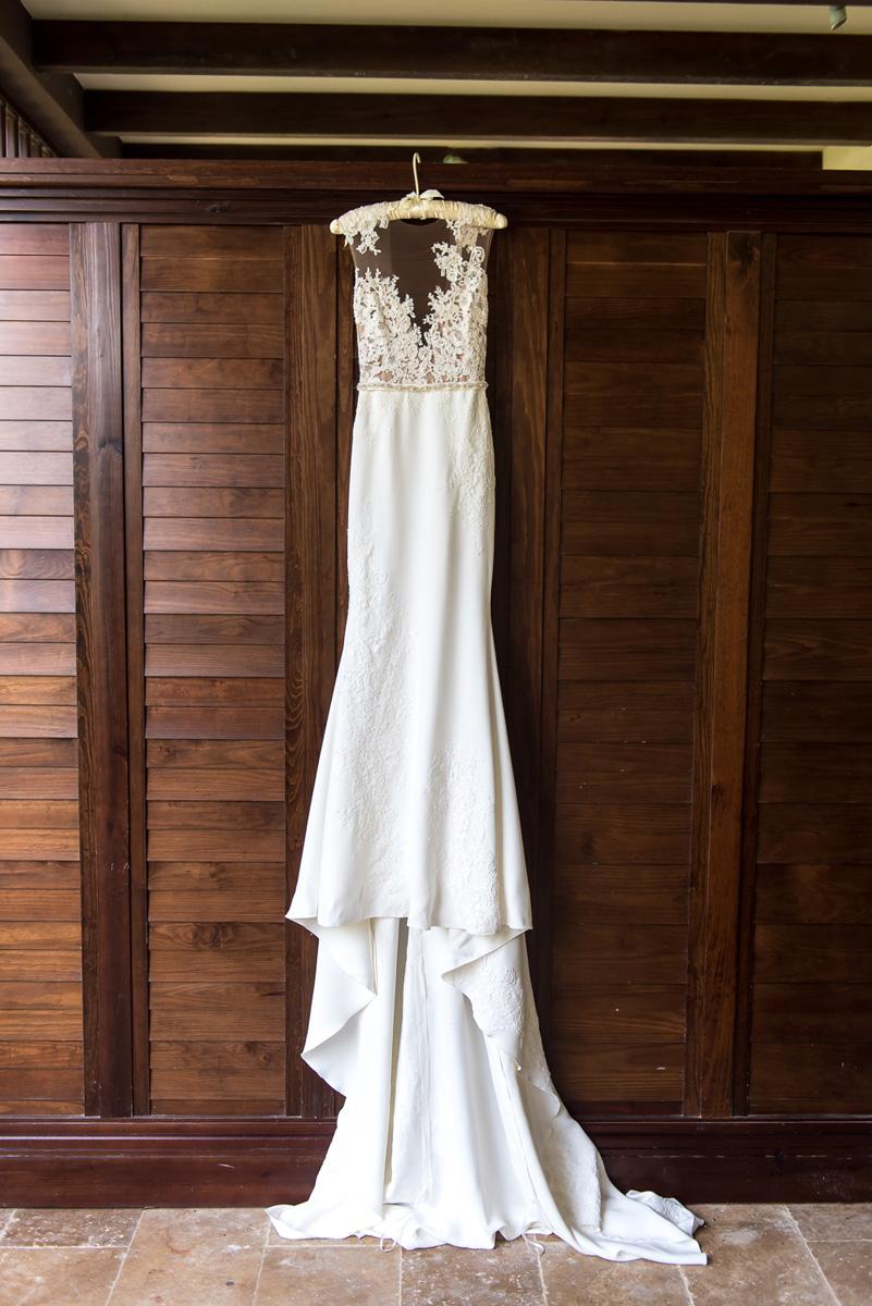 Wedding-in-St-Regis-Hotel,-Courtney-&-Less-0009.jpg