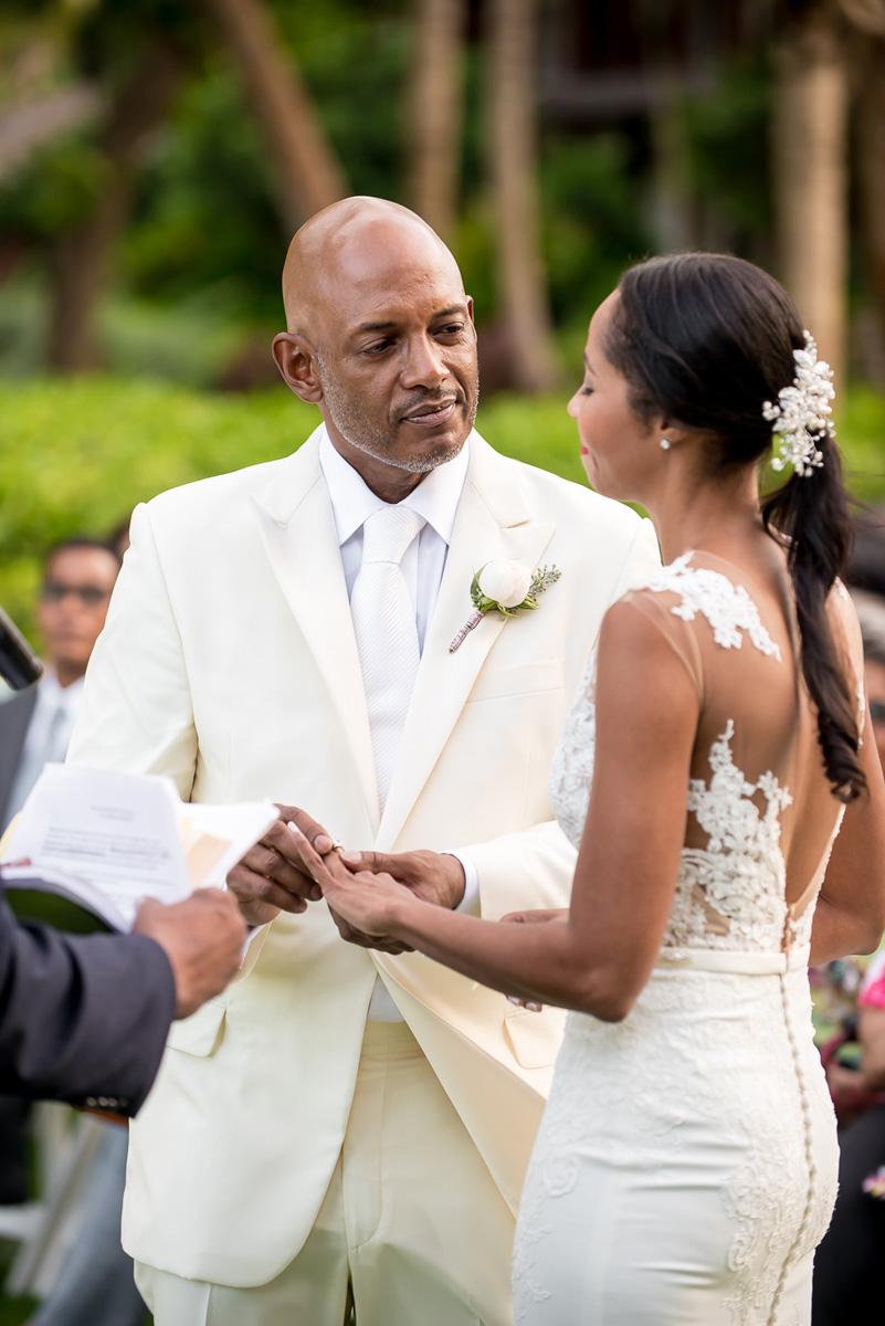 Wedding-in-St-Regis-Hotel,-Courtney-&-Less-0085.jpg