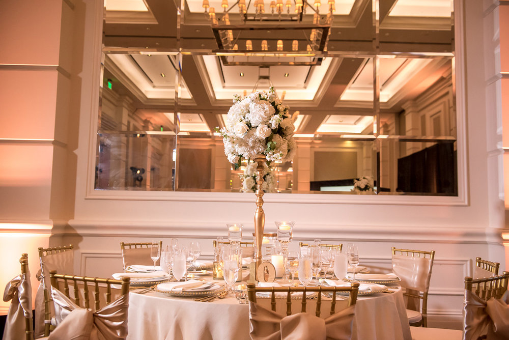 Wedding-in-St-Regis-Hotel,-Courtney-&-Less-0119.jpg