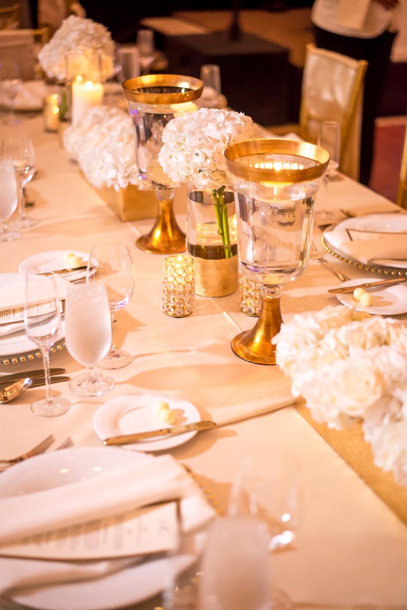 Wedding-in-St-Regis-Hotel,-Courtney-&-Less-0120.jpg