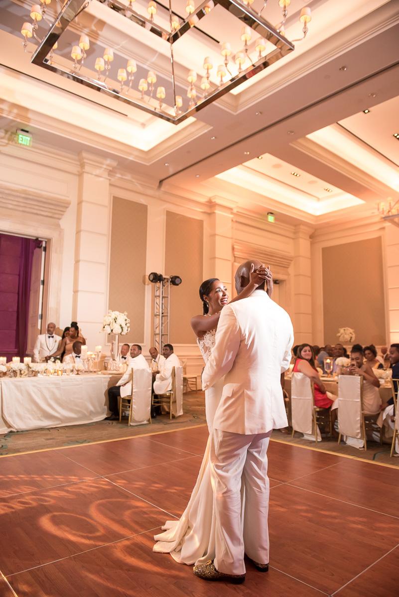 Wedding-in-St-Regis-Hotel,-Courtney-&-Less-0138.jpg