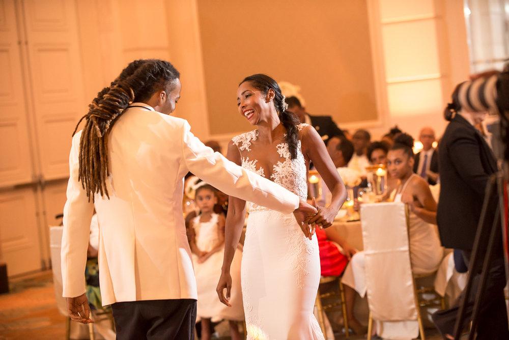 Wedding-in-St-Regis-Hotel,-Courtney-&-Less-0143.jpg