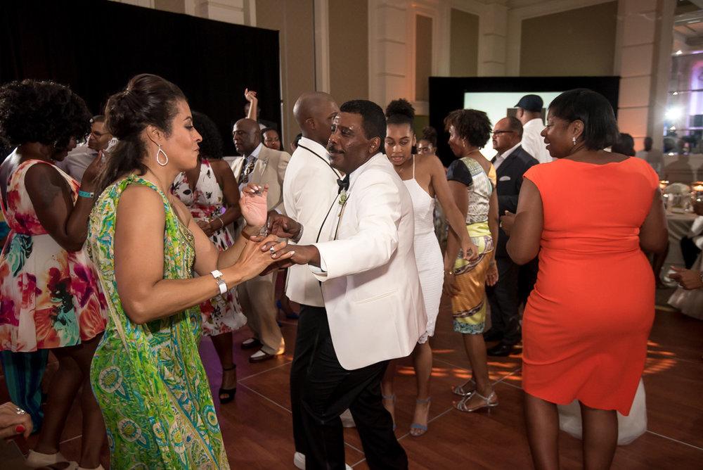 Wedding-in-St-Regis-Hotel,-Courtney-&-Less-0157.jpg