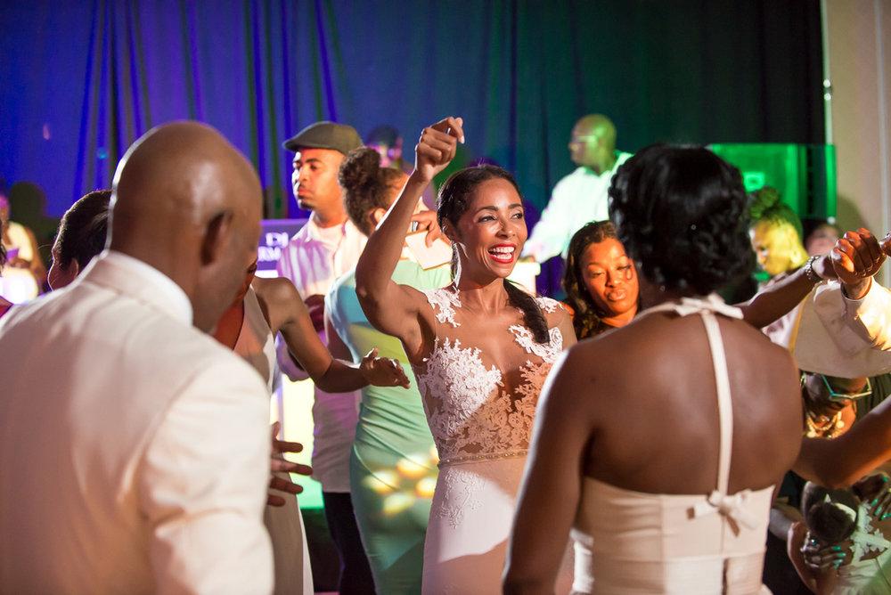 Wedding-in-St-Regis-Hotel,-Courtney-&-Less-0166.jpg