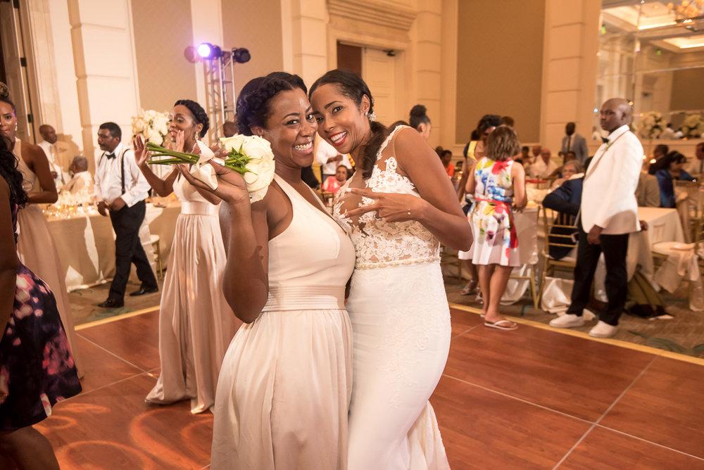 Wedding-in-St-Regis-Hotel,-Courtney-&-Less-0184.jpg