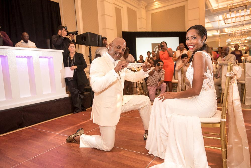 Wedding-in-St-Regis-Hotel,-Courtney-&-Less-0187.jpg