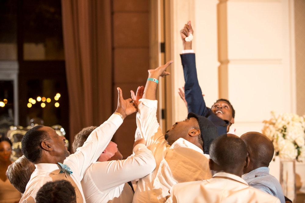 Wedding-in-St-Regis-Hotel,-Courtney-&-Less-0189.jpg