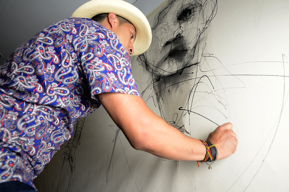 Live painting contemporary art in Colombia