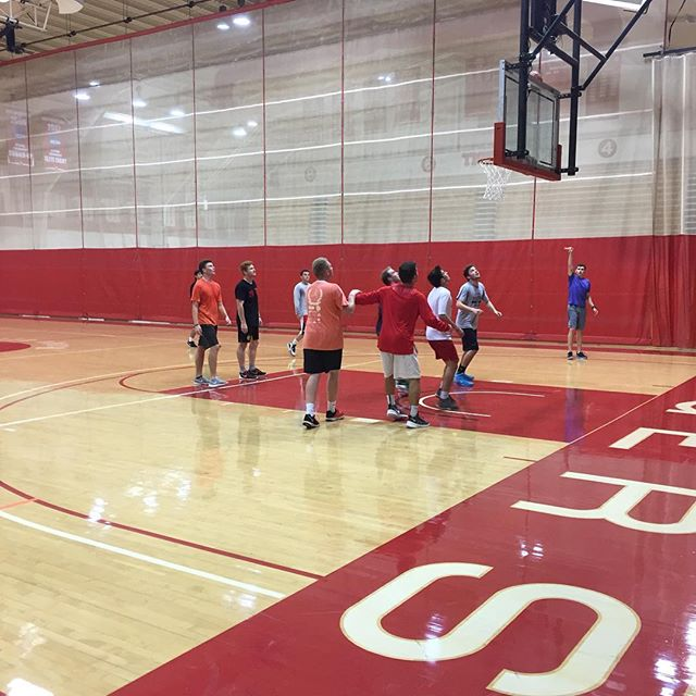 No better way to fight the Sunday scaries than some frat basketball! #DrewHerronToTheCavs
