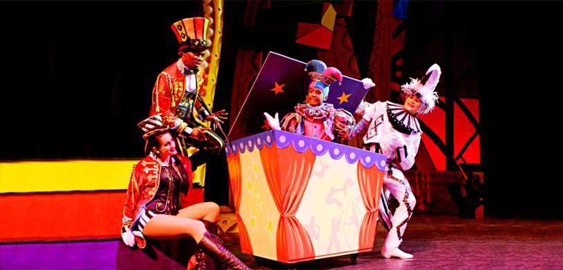 cirque-dreams-holidaze.jpg