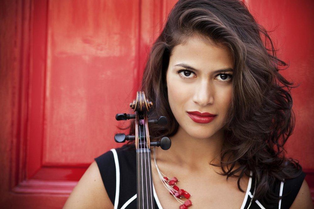 Elena Urioste, violinist