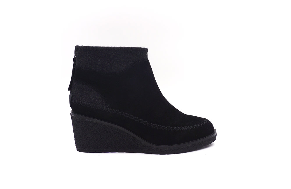 Arago Wedge Black