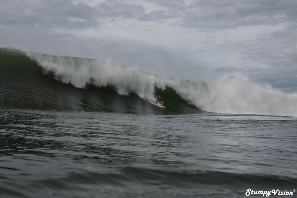 Juan Ramos charging a Punta Roca bomb. When I look back at this photo I am not really sure what I was thinking to rock off and shoot water that day.