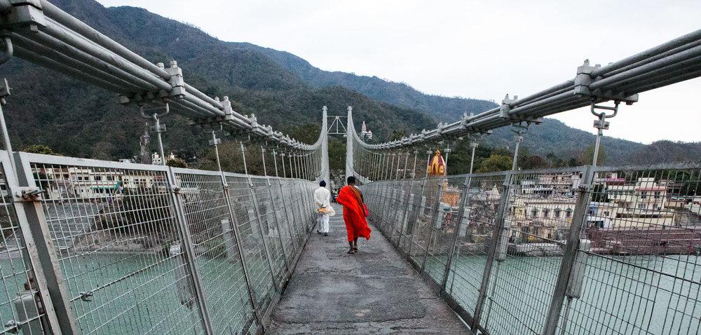 Bridge Rishikesh man.jpg