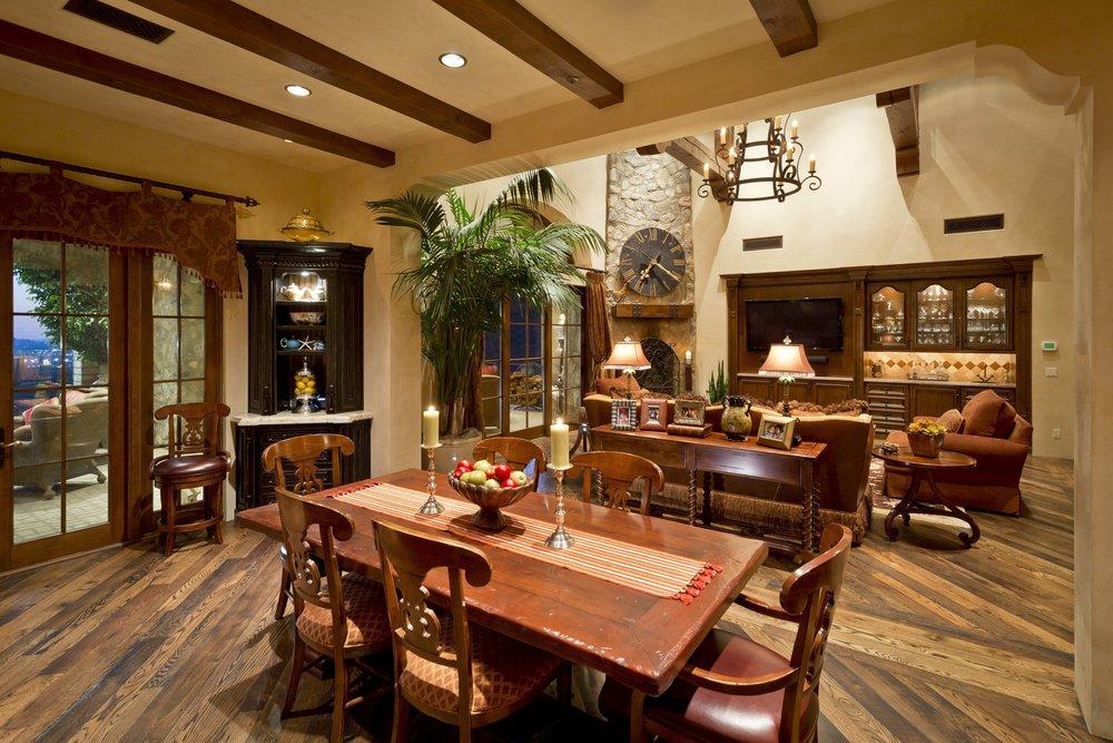011_Dining Area.jpg