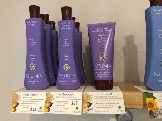 Happy Valentine's day, friends 💜💗💜 Here's our product highlight of the week! - neuSmooth collection is GREAT for frizzy, curly, hard to tame hair and really helps smooth it!!! Especially using the mask - works amazing!! Try it! 💜💜💜💜💜💜💜💜💜💜 #neumabeauty
