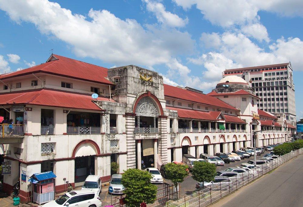 exterior of aung san market downtown Yangon