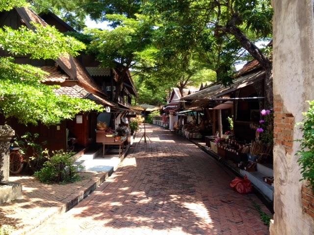 a northeastern Thai market