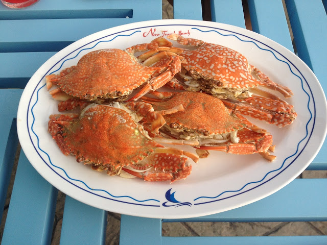 a plate of steamed crabs