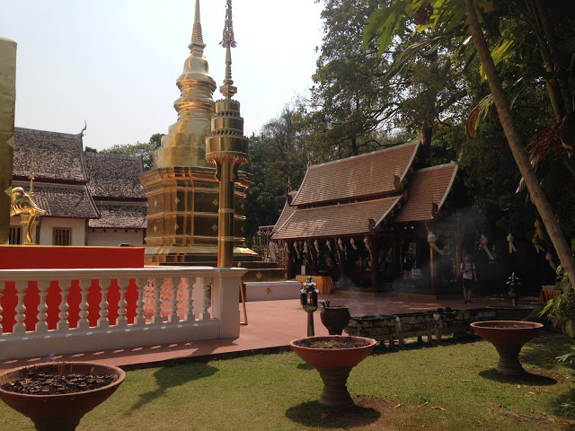 a temple courtyard in Chiang Mai, Thailand