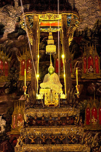 Emerald Buddha in golden winter cloak