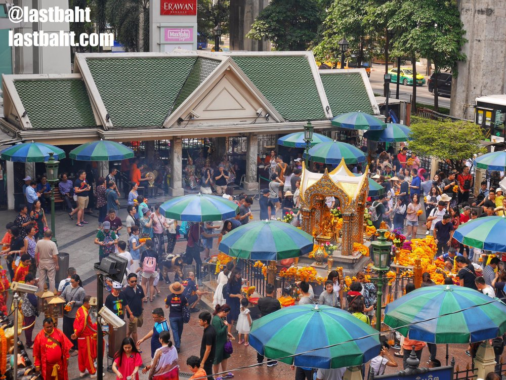 worshipers at the Erawan Shrine