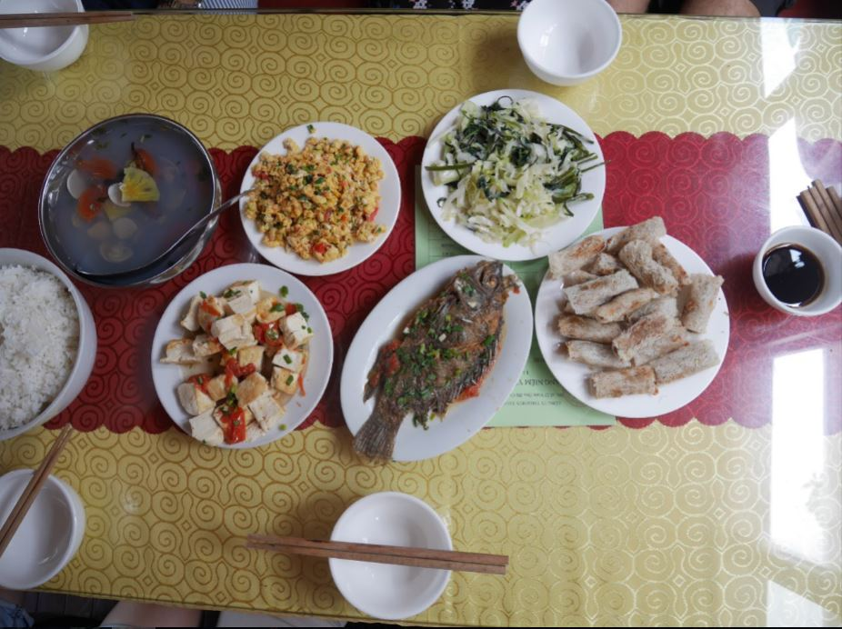 "Vietnamese seafood lunch served ""family style"""