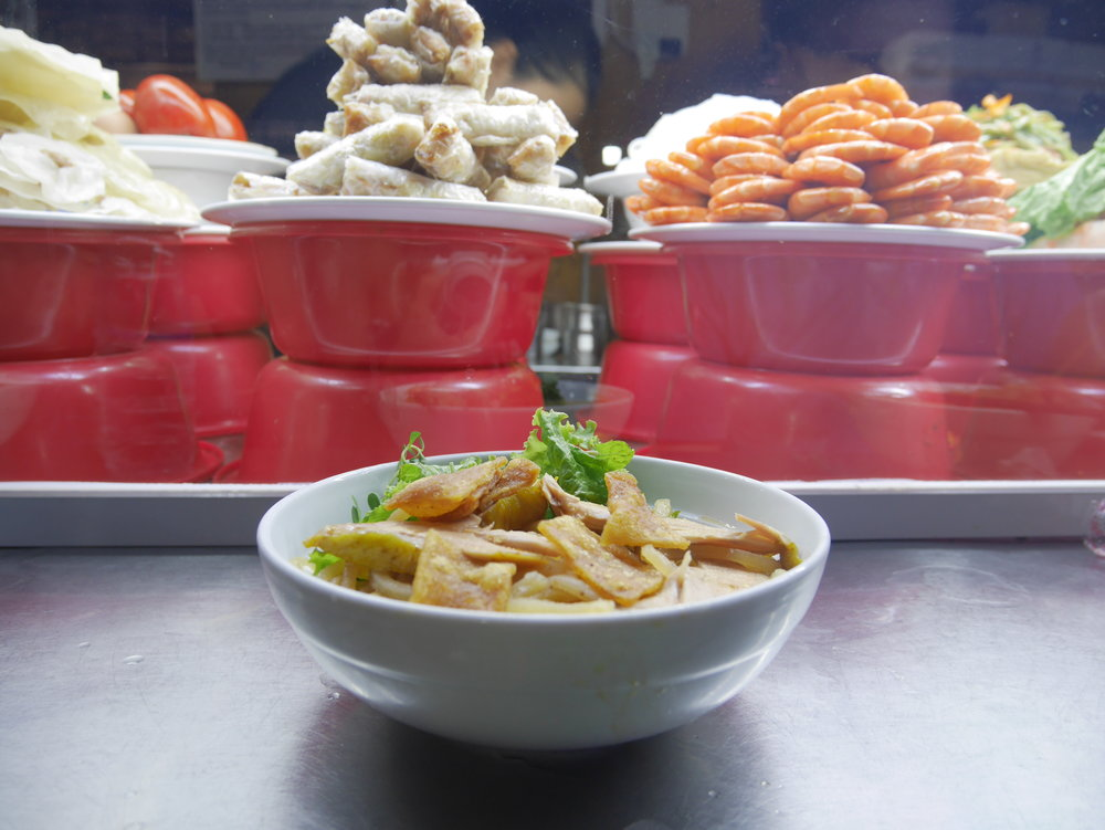 Chicken Cao Lau for 30.000 VND
