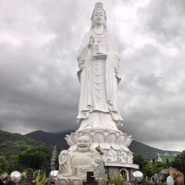 """Son Tra Peninsula's """"Lady Buddha"""" statue"""