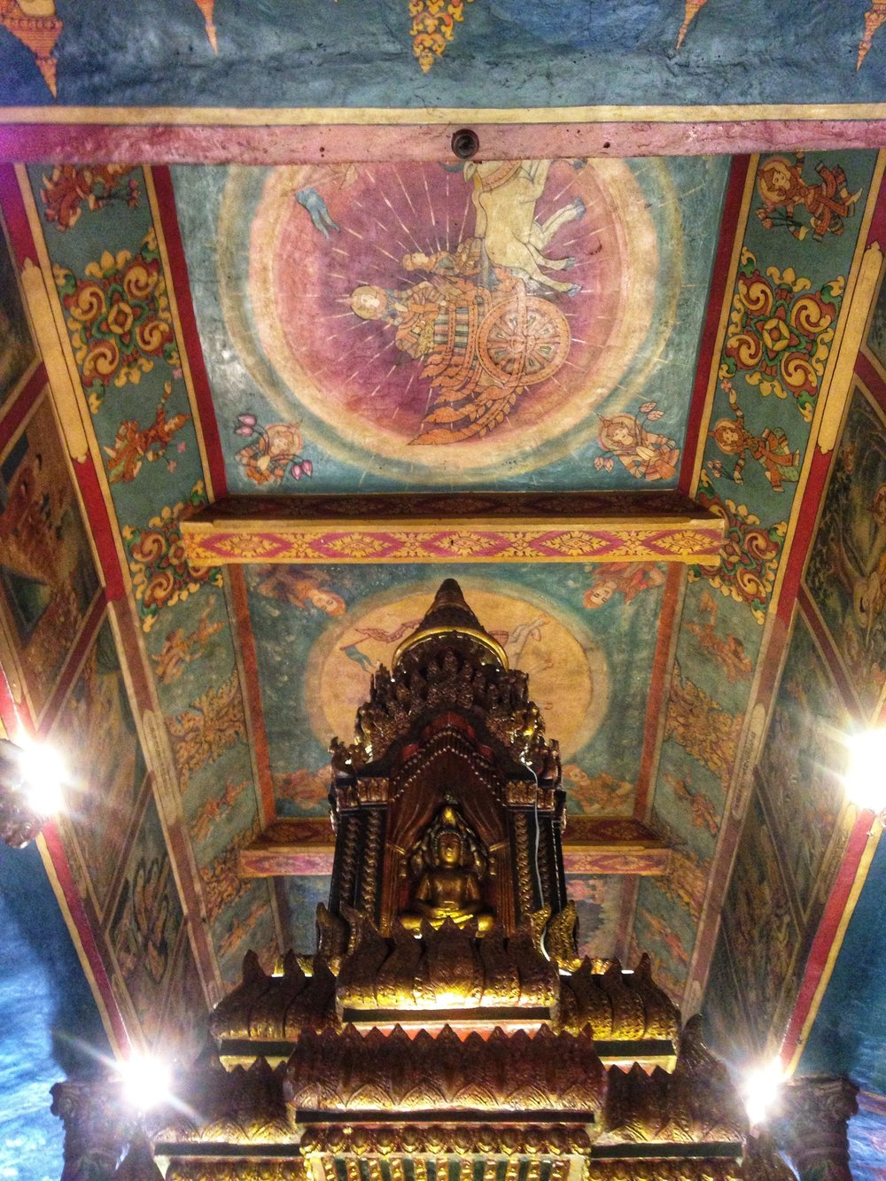 wat phnom ceiling