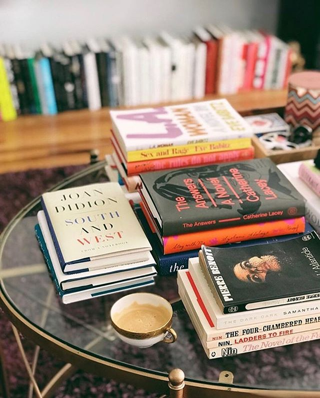 What are you currently reading? I need to order a few as my to-read pile is getting low (aka below 10) 💕 via @belletrist #missread . . . . . #books #bookstagram #whatimreading #mustread #beautyandbrains #bookreview #bookreviewer #hardback #paperback #newbook #readingissexy #holidayread #novels #coffeetablebook #girlboss #girlbossinspiration #bookchat #bookclub #bookshop #tellme #whatyoureading #newmonth #spring #windowshopping #bookshop #influencer #whatmatters #holiday