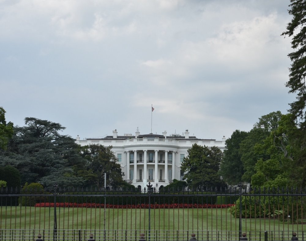 Many don't know this view is actually the  BACK  of the White House!