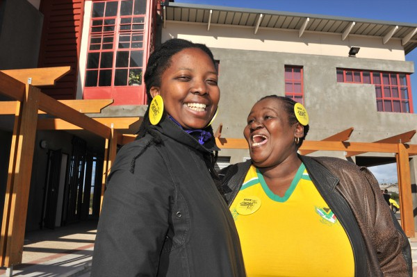 Supporters of the WDC14 bid in Harare, Khayelitsha outside a VPUU site