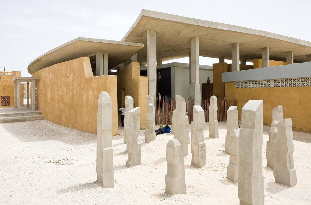 The city Timbuktu, and its program on Cultural Heritage reinvigoration. joint winner of the UCLG Mexico City Award, 2nd edition. The Ahmed Baba Institute, designed by South African from DHK. Commission for the South African Government