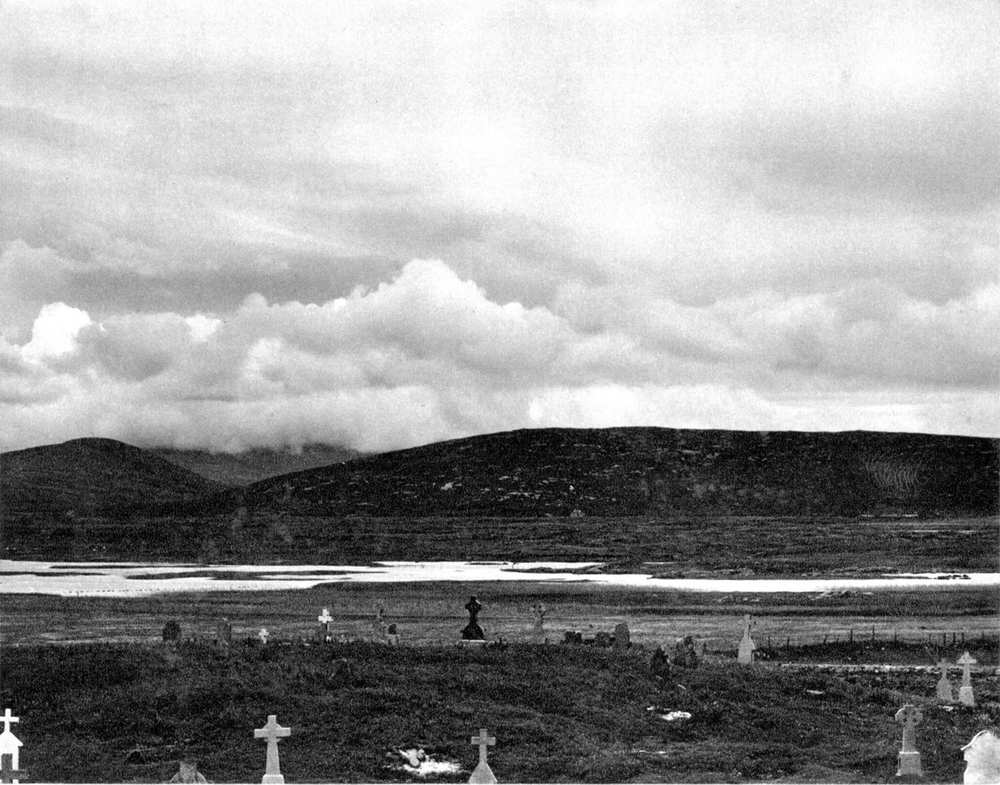 Daliburgh Burial Ground, Paul Strand, Tir a' Mhurain 1962