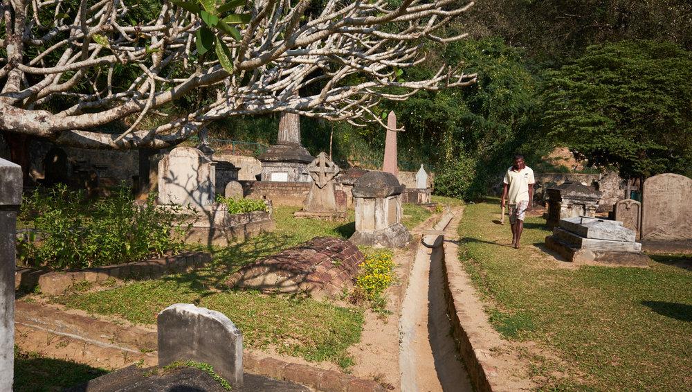 Grave digger Kandy.jpg