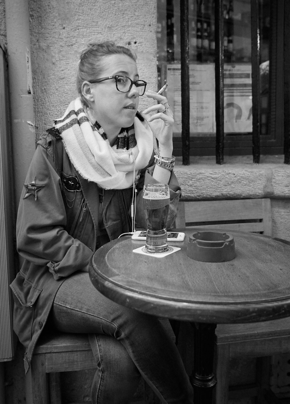 Smoking at table1600x1200 sRGB 1.jpg