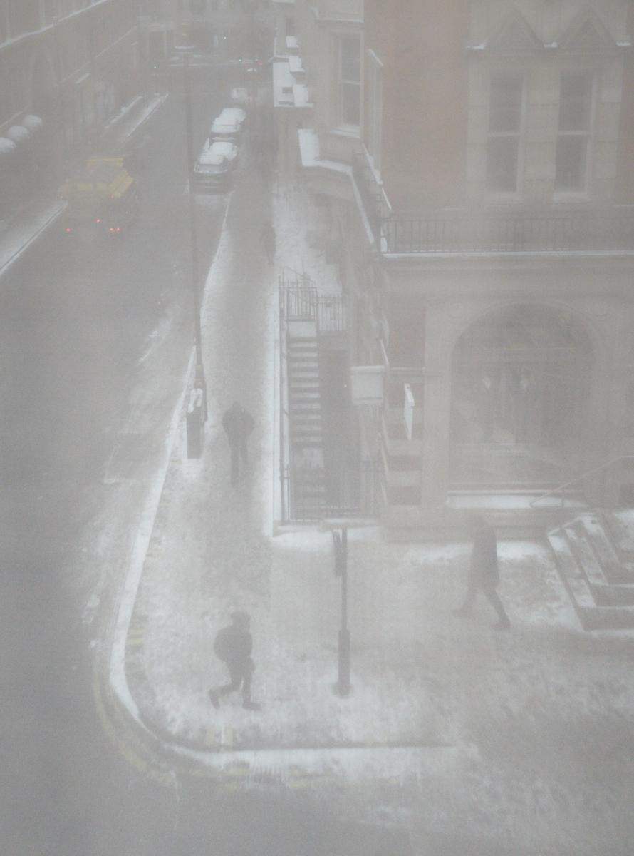 Snowy chiaroscuro1600x1200 sRGB.jpg
