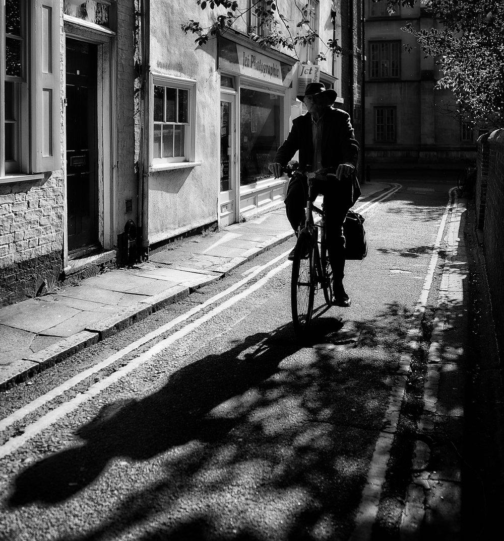 Cowboy cyclist1600x1200 sRGB.jpg