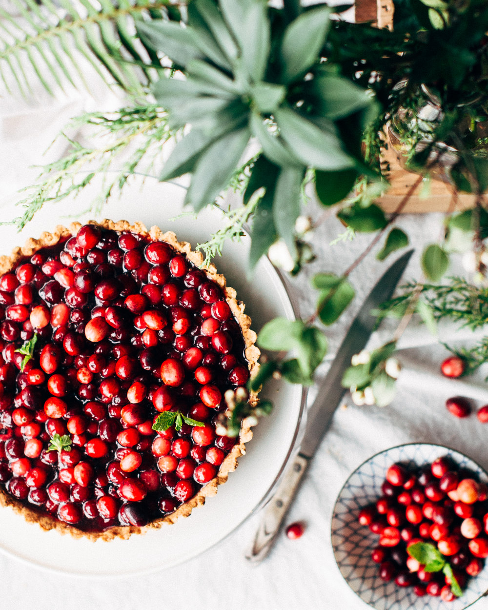 To be clear,  there is no such thing as cranberry (or strawberry, or banana ...) essential oil . But just looking at this picture reminds me of the amazing scents of holiday baking. And isn't it just pretty? :)