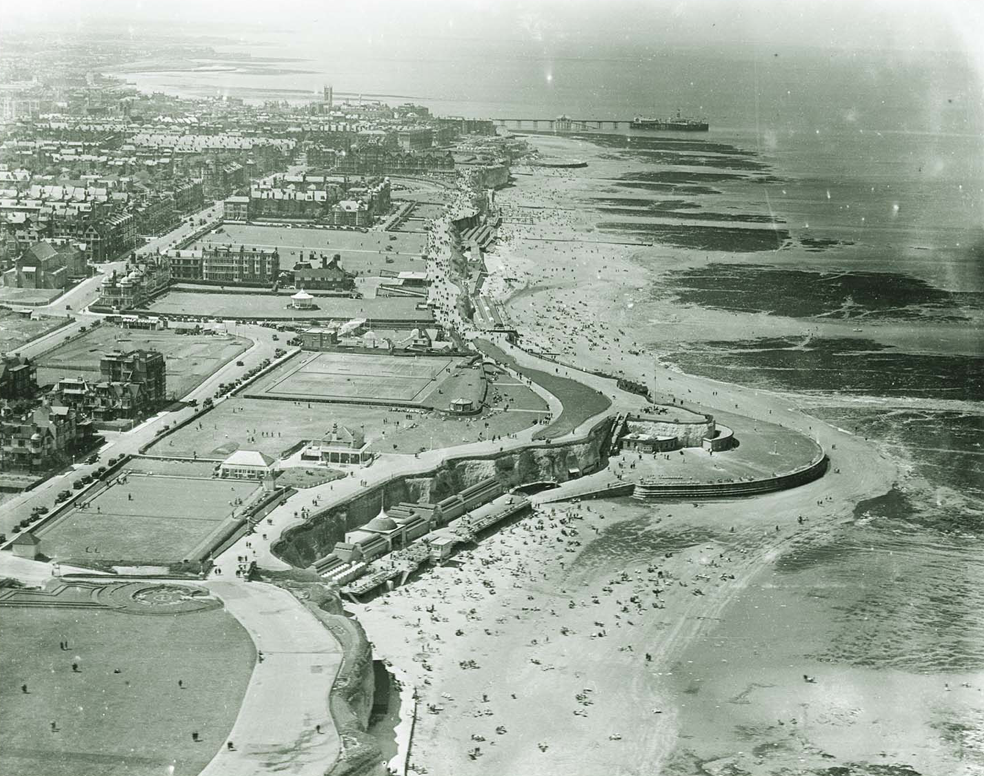 Image:   Princes Walk and Palm Bay looking West. 1931      Historic England / Above England archive