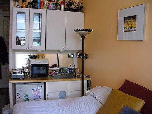 """""""Cozy"""" Studio Apartment in Williamsburg above dive bar - $400,000"""
