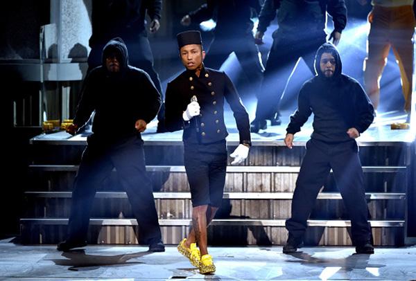 "Pharrell Williams ""Happy"" Grammys 2015"