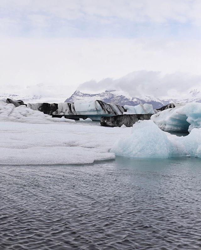 Ice ice baby ❄️ ~ #mystopover #icelandair #icelandadventure  #foodandtravel #canadianblogger #canadiantraveller #cntraveler #sheisnotlost #darlingplaces #darlingmovement #glacier #enroute #enroutemag