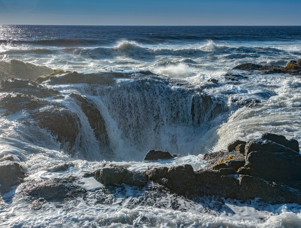 Thor's Well Floods with Ocean Surf