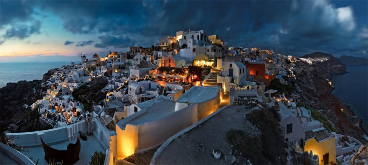 Top-10-Greek-Towns-Oia2-740x333.jpg