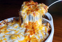 cheese-y baked macaroni and beef