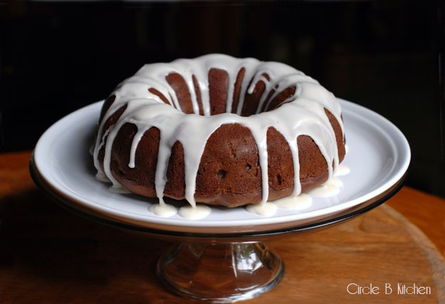 apple butter spice cake with rum                                      icing